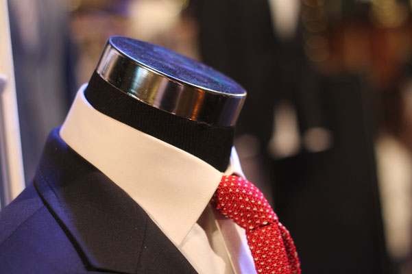Kleidung und Accessoires für den Bräutigam