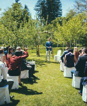Eine Hochzeit im Frühling auf dem Gut Sonnenhausen!