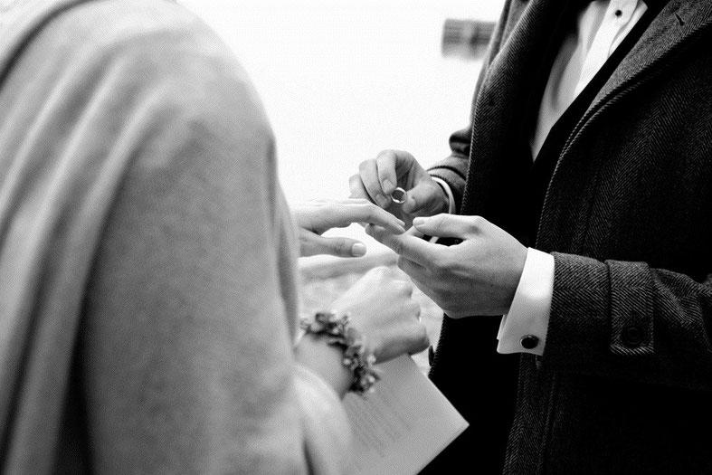 Schwanger heiraten? Kein Problem mit den Tipps von Strauß & Fliege