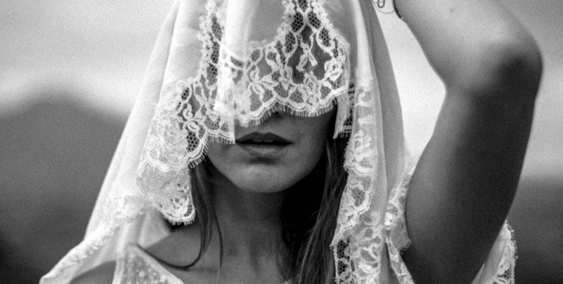 Heiraten mit Strauß & Fliege - und in Brautkleider von Hey Love!