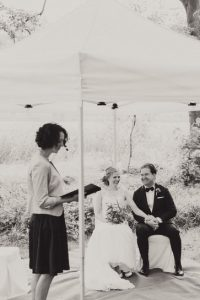 Hochzeit im Zelt mit Hochzeitsredner von Strauß & Fliege