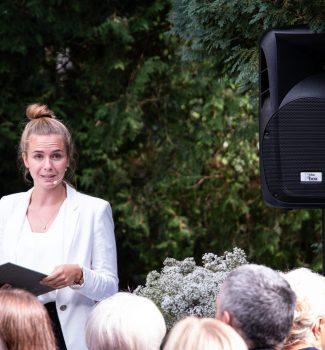 Strauß & Fliege Traurednerin Marina Danner begleitet Eure freie Trauung mit ganz viel Herz