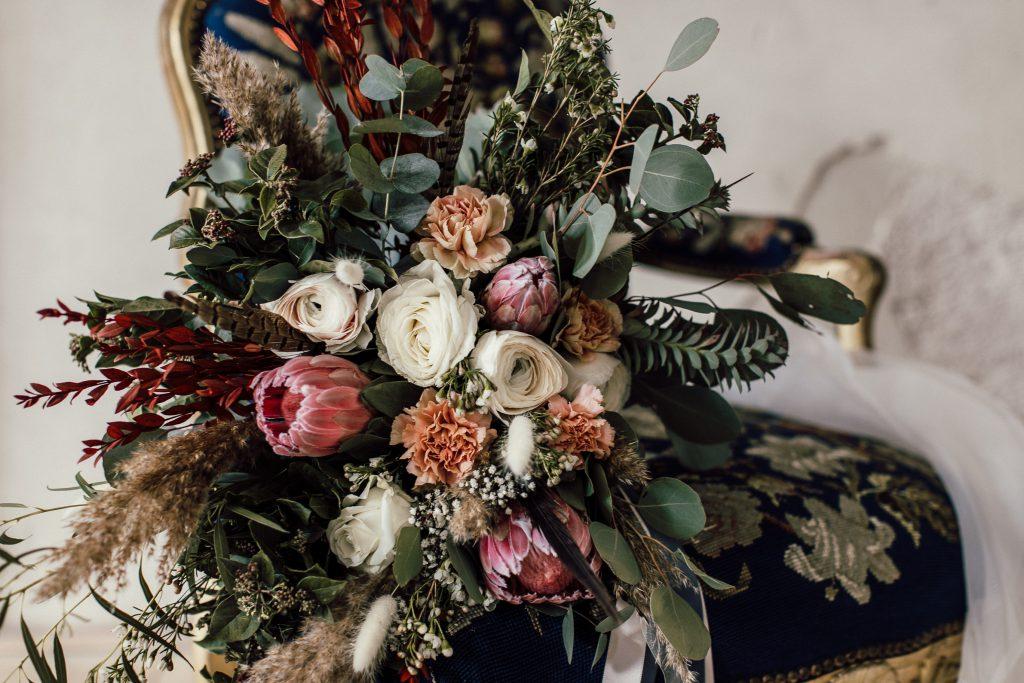 Blumenstrauß im Antik-Look