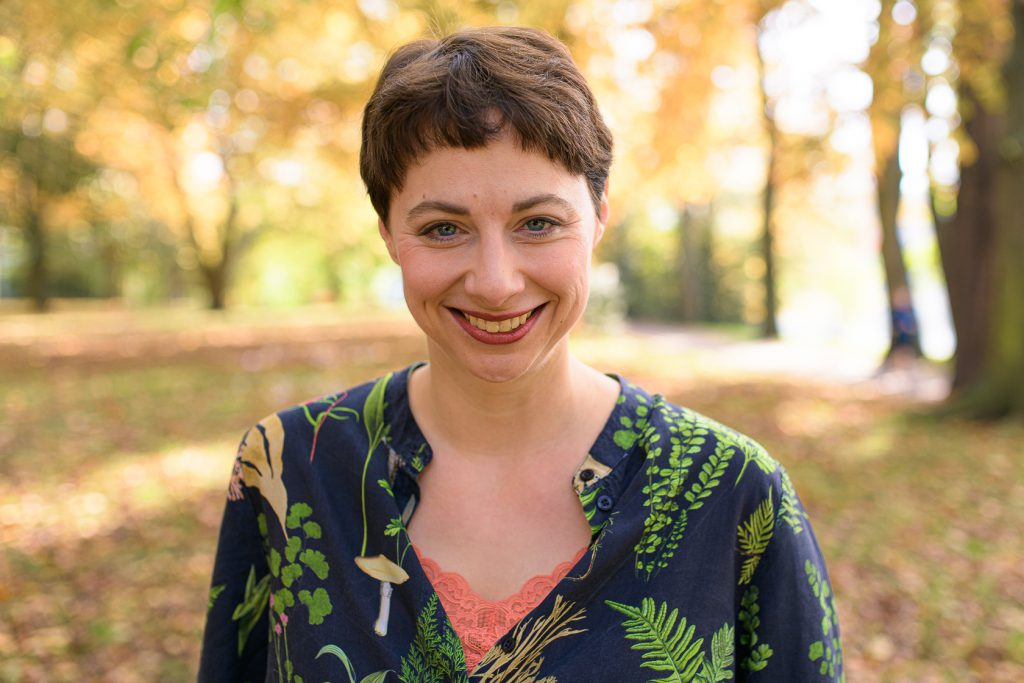 Traurednerin Carola Söllner aus Berlin begleitet bilinguale freie Hochzeiten
