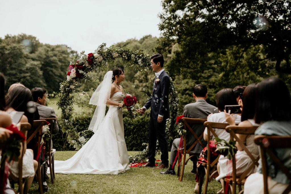 Freie Trauung unter freiem Himmel mit Wedding Planerin