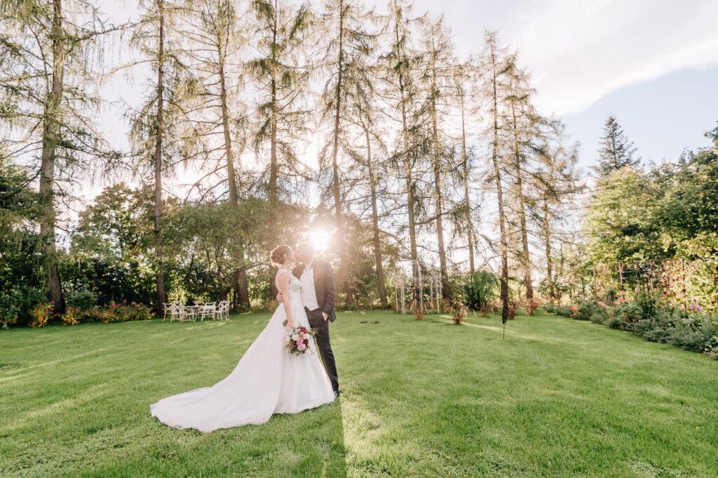 Hochzeits Fotoshooting mit Fotografen Jung und Wild design aus Scheyern