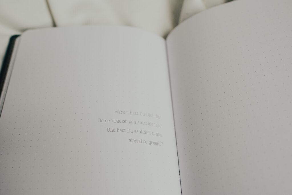 Notizbuch freie Trauung   Beruhig Dich Schatz, wir heiraten nur!   Strauß & Fliege