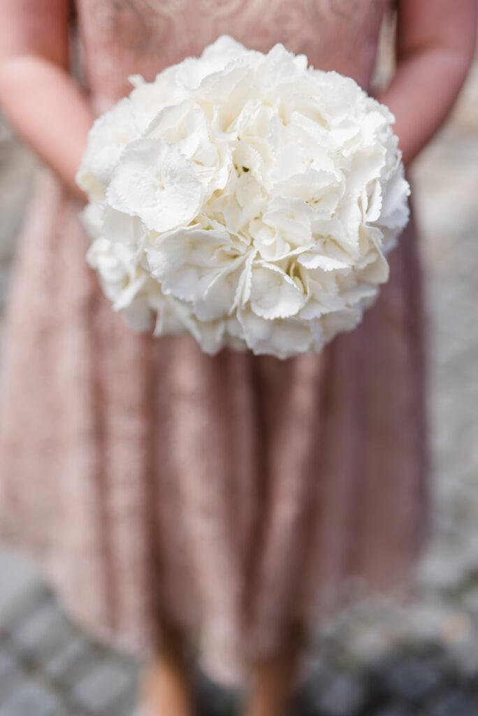 Brautstrauß weiß   Blumenstrauß Hochzeit   Strauß & Fliege