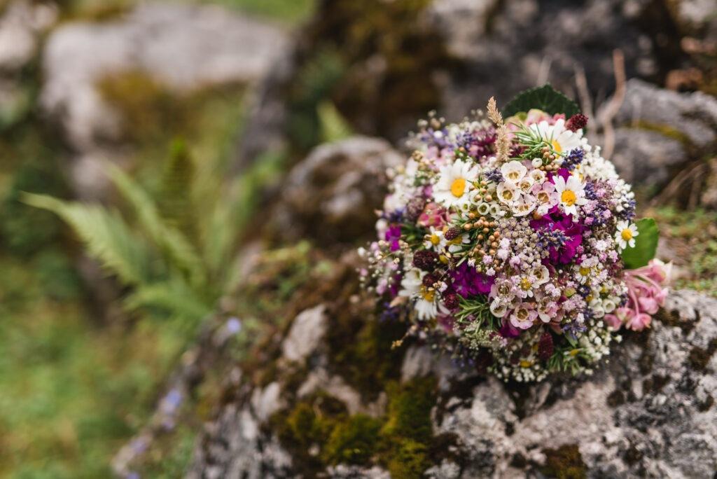 Brautstrauß Wildblumen   Blumenstrauß Hochzeit   Strauß & Fliege