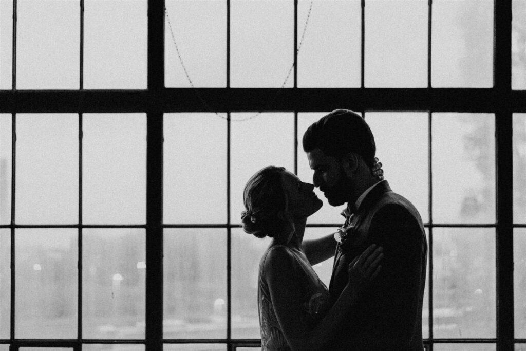 Brautpaar | freie Trauung | Strauß & Fliege