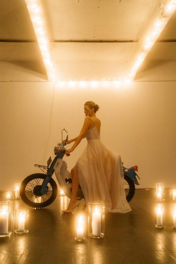 Braut Vespa | Freie Trauung Wien | Strauß & Fliege
