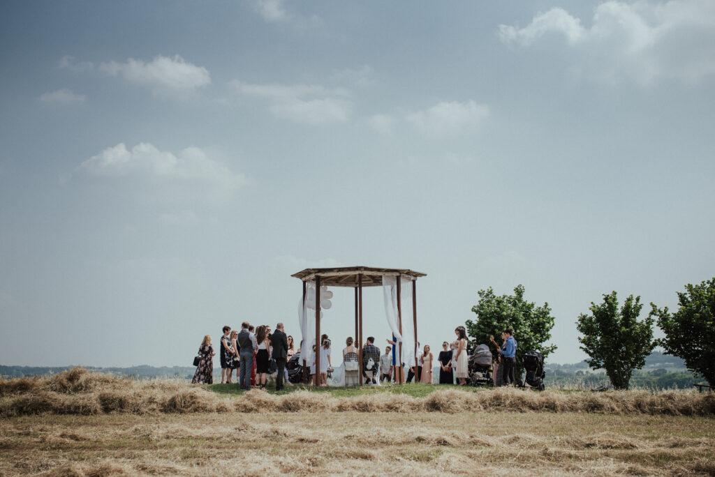 Freie Trauzeremonie am Strand   Professionelle Trauredner*innen   Strauß & Fliege