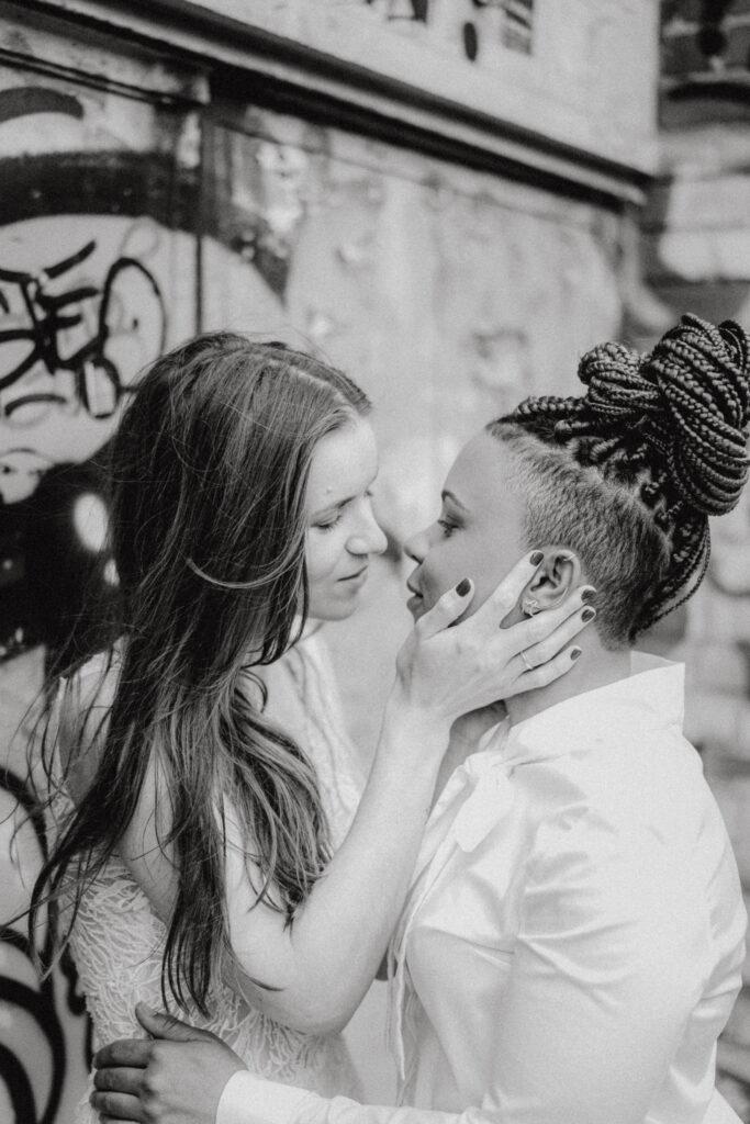 Queer heiraten | Ehe für alle | LGBTIQ* Hochzeit | Strauß & Fliege